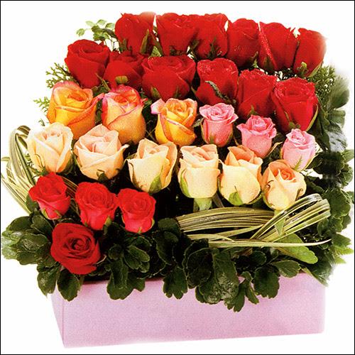 15 adet renkli gül ve cam   Bingöl Gölüm Çiçek çiçekçi mağazası