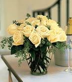 Bingöl Gölüm Çiçek çiçek siparişi sitesi  11 adet sari gül mika yada cam vazo tanzim