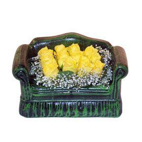 Seramik koltuk 12 sari gül   Bingöl Gölüm Çiçek ucuz çiçek gönder