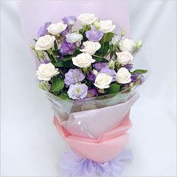 Bingöl Gölüm Çiçek internetten çiçek satışı  BEYAZ GÜLLER VE KIR ÇIÇEKLERIS BUKETI