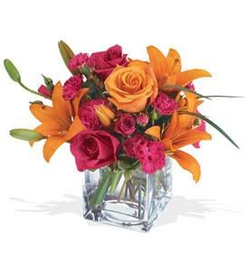 Bingöl Gölüm Çiçek çiçek mağazası , çiçekçi adresleri  cam içerisinde kir çiçekleri demeti