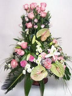 Bingöl Gölüm Çiçek ucuz çiçek gönder  özel üstü süper aranjman