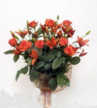 9 adet gül ve 3 adet lilyum çiçegi buketi   Bingöl Gölüm Çiçek cicek , cicekci