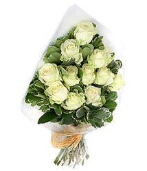 Bingöl Gölüm Çiçek online çiçekçi , çiçek siparişi  12 li beyaz gül buketi.