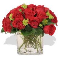 Bingöl Gölüm Çiçek çiçekçi telefonları  10 adet kirmizi gül ve cam yada mika vazo
