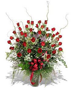 Bingöl Gölüm Çiçek çiçek siparişi sitesi  33 adet kirmizi gül vazo içerisinde