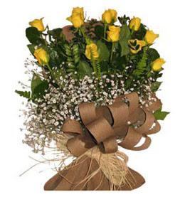 Bingöl Gölüm Çiçek çiçek yolla  9 adet sari gül buketi