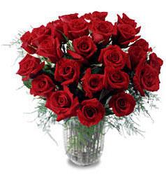 Bingöl Gölüm Çiçek çiçek gönderme sitemiz güvenlidir  11 adet kirmizi gül cam yada mika vazo içerisinde