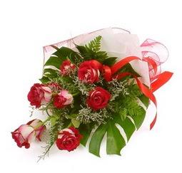 Çiçek gönder 9 adet kirmizi gül buketi  Bingöl Gölüm Çiçek çiçek siparişi vermek