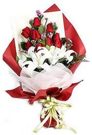 Bingöl Gölüm Çiçek hediye çiçek yolla  9 adet gül 2 adet kazablanka buketi
