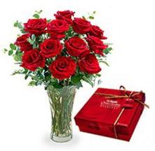 Bingöl Gölüm Çiçek çiçekçi mağazası  10 adet cam yada mika vazoda gül çikolata