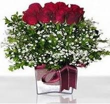 Bingöl Gölüm Çiçek internetten çiçek satışı  mika yada cam vazo içerisinde 7 adet gül