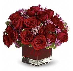 11 adet kırmızı gül vazosu  Bingöl Gölüm Çiçek çiçekçiler