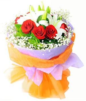 Bingöl Gölüm Çiçek çiçek gönderme sitemiz güvenlidir  1 dal kazablanka 7 adet kırmızı gül buketi