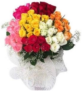 Bingöl Gölüm Çiçek çiçekçi telefonları  51 adet farklı renklerde gül buketi