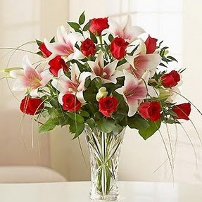 Bingöl Gölüm Çiçek çiçek mağazası , çiçekçi adresleri  12 adet kırmızı gül 1 dal kazablanka çiçeği