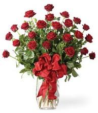 Sevgilime sıradışı hediye güller 24 gül  Bingöl Gölüm Çiçek 14 şubat sevgililer günü çiçek