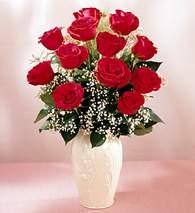 Bingöl Gölüm Çiçek çiçekçi mağazası  9 adet vazoda özel tanzim kirmizi gül