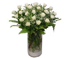 Bingöl Gölüm Çiçek yurtiçi ve yurtdışı çiçek siparişi  cam yada mika Vazoda 12 adet beyaz gül - sevenler için ideal seçim