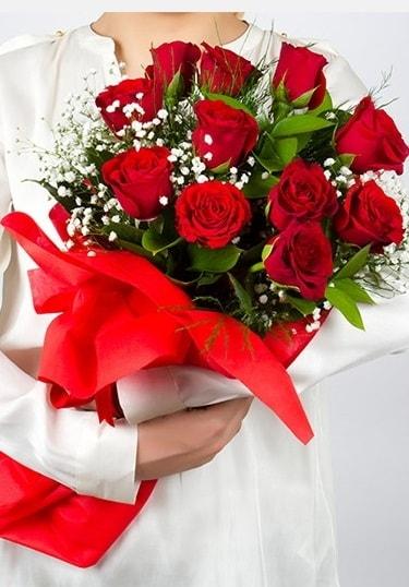 Aşk Gülleri 11 Adet kırmızı gül buketi  Bingöl Gölüm Çiçek çiçekçi telefonları