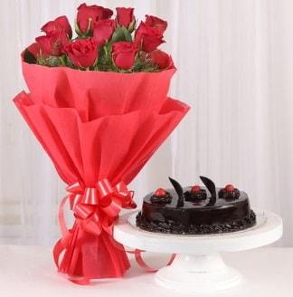 10 Adet kırmızı gül ve 4 kişilik yaş pasta  Bingöl Gölüm Çiçek internetten çiçek satışı
