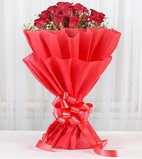 12 adet kırmızı gül buketi  Bingöl Gölüm Çiçek hediye çiçek yolla