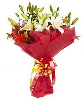 5 dal kazanlanka lilyum buketi  Bingöl Gölüm Çiçek çiçek gönderme sitemiz güvenlidir